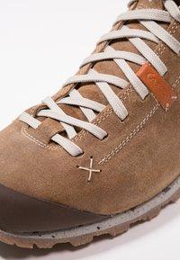 Aku - BELLAMONT LUX MID GTX - Hiking shoes - beige - 6