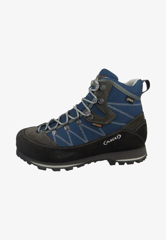 TREKKER LITE III WIDE - Hiking shoes - denim-grey