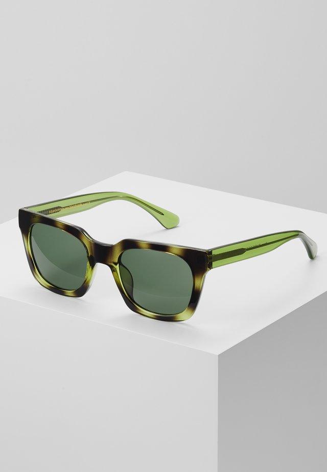 NANCY - Okulary przeciwsłoneczne - demi olive