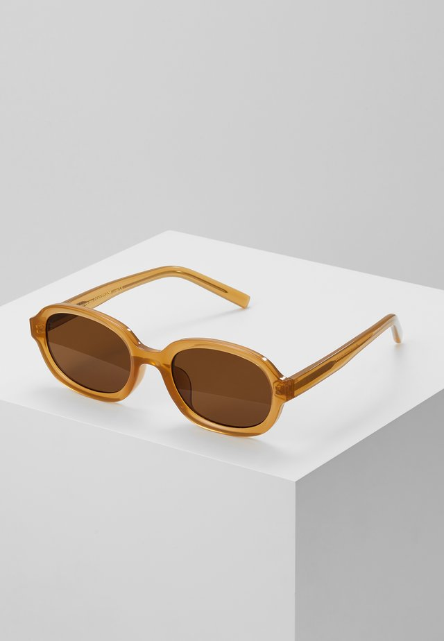 BOB - Sunglasses - ligth brown transparent