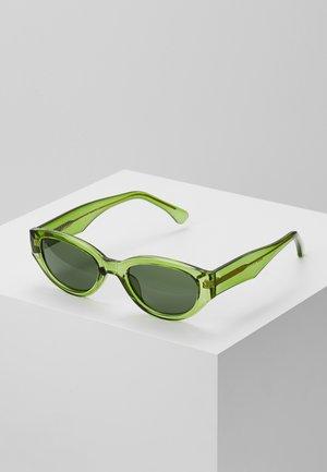 WINNIE - Aurinkolasit - light olive transparent