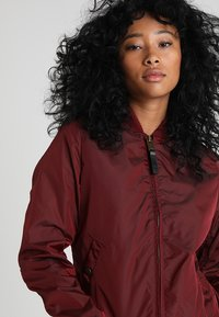 Alpha Industries - Bomberjacks - burgundy - 3