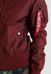 Alpha Industries - Bomberjacks - burgundy - 6