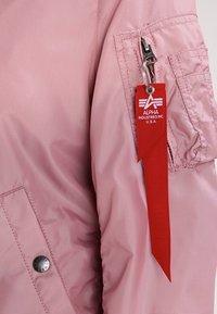 Alpha Industries - Bomberjacks - silver pink - 3
