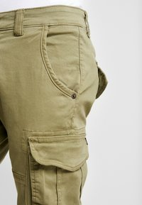 Alpha Industries - ARMY PANT - Cargobukse - oliv - 3