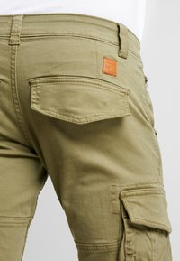 Alpha Industries - ARMY PANT - Cargobukse - oliv - 5