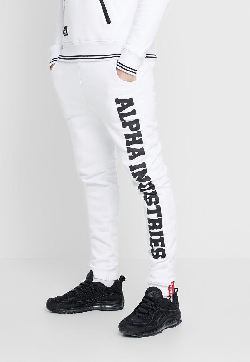 Alpha Industries - Trainingsbroek - white