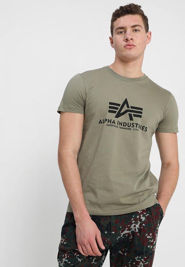 BASIC - T-shirt med print - olive