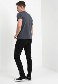 Alpha Industries - BASIC - T-shirts med print - anthrazit - 2