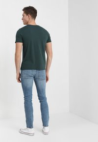 Alpha Industries - BASIC - T-shirt imprimé - petrol - 2