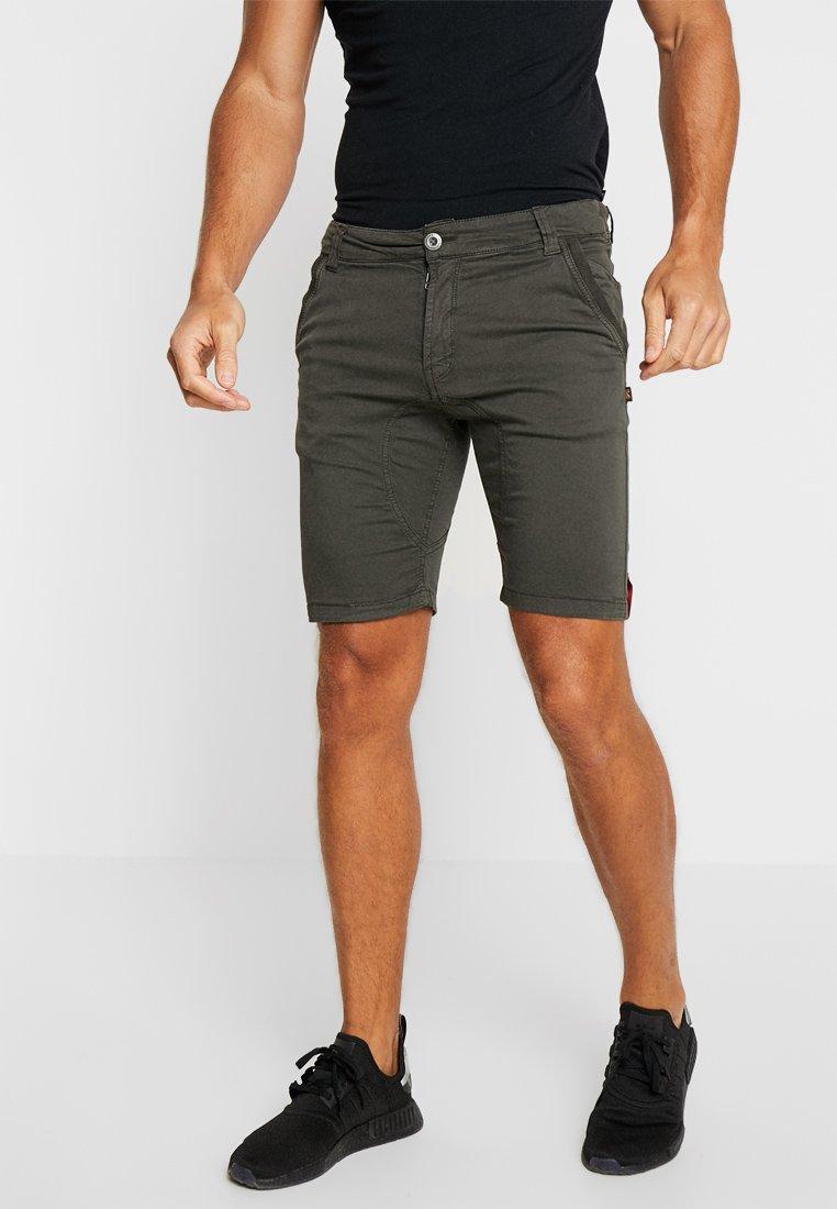 Alpha Industries - KEROSENE - Shorts - grey