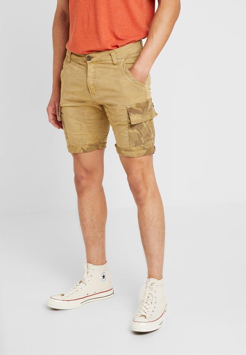 Alpha Industries - Shorts - sand