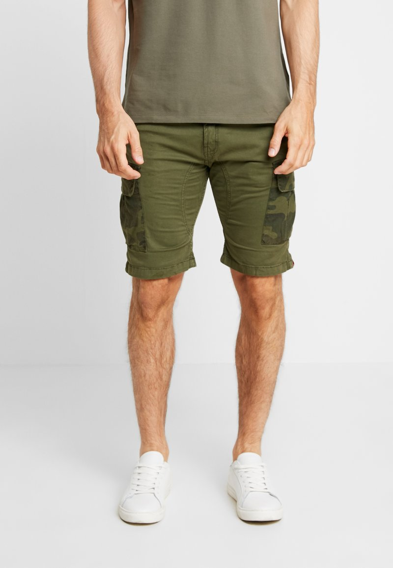 Alpha Industries - Shorts - dark olive