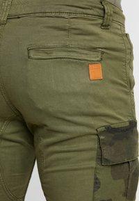 Alpha Industries - Shorts - dark olive - 5