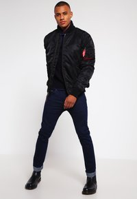 Alpha Industries - Giubbotto Bomber - black - 1