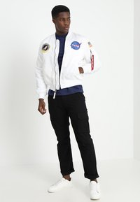 Alpha Industries - NASA - Bomberjacks - white - 1