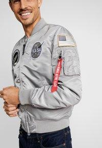 Alpha Industries - NASA - Giubbotto Bomber - silver - 4