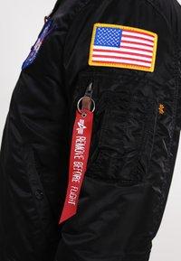 Alpha Industries - NASA - Bomberjacks - black - 5