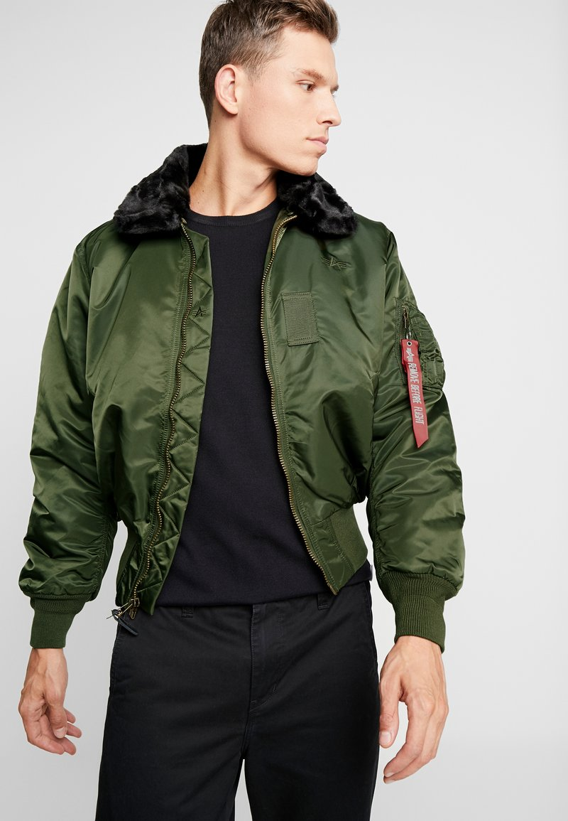Alpha Industries - Bomberjacka - dark green