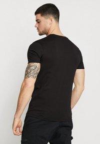 Alpha Industries - T-shirt basic - black/blue - 2