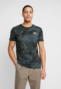Alpha Industries - Printtipaita - black - 0