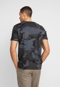 Alpha Industries - Printtipaita - black - 2