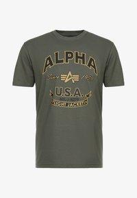 Alpha Industries - T-shirts med print - dark oliv - 3