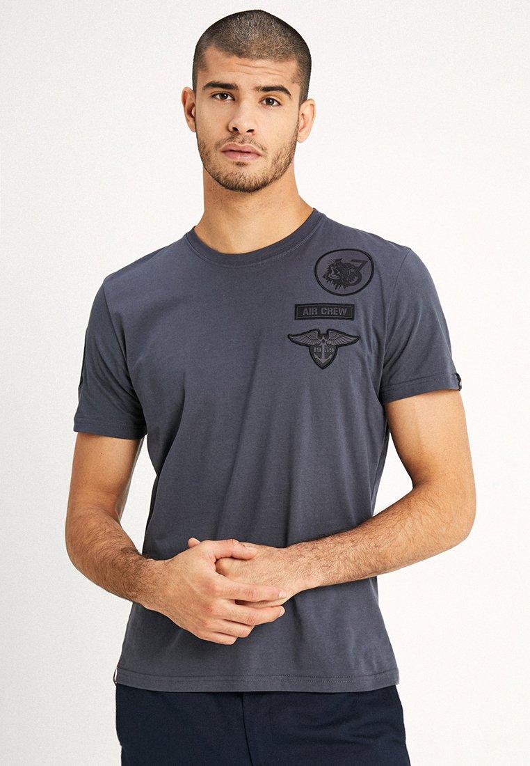 Alpha Industries - AIR CREW - T-shirt imprimé - grey/black