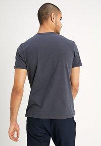 Alpha Industries - AIR CREW - T-shirt imprimé - grey/black - 2