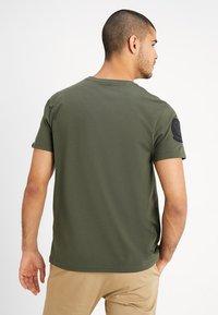 Alpha Industries - AIR CREW - T-shirts print - dark oliv - 2