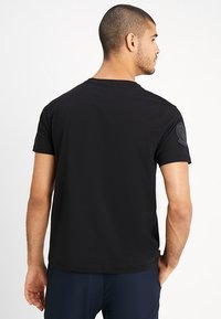 Alpha Industries - AIR CREW - Printtipaita - black - 2