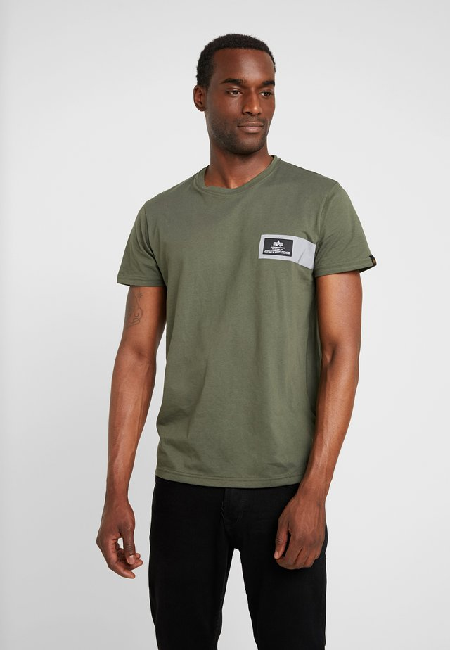 REFLECTIVE STRIPES  - Print T-shirt - dark olive