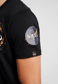 Alpha Industries - ANNIVERSARY CAPSULE - T-shirt print - black - 5
