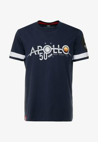 Alpha Industries - REFLECTIVE ANNIVERSARY CAPSULE - T-shirt print - rep blue - 4
