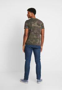 Alpha Industries - T-shirt print - dark olive - 2