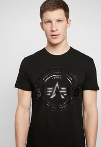 Alpha Industries - T-shirt con stampa - black - 3