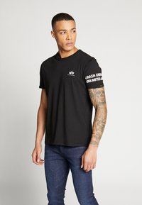 Alpha Industries - Camiseta estampada - black - 0