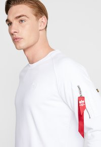 Alpha Industries - X FIT  - Sweatshirt - white - 3
