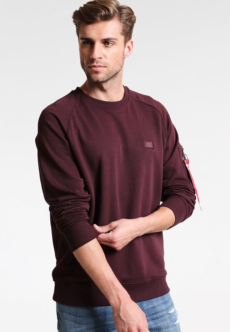 Alpha Industries - X FIT SWEAT - Sweatshirt - deep maron