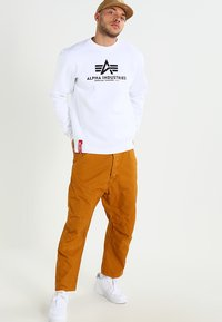 Alpha Industries - BASIC SWEATER - Sweatshirt - weiss - 1