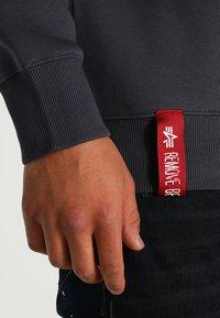 Alpha Industries - BASIC SWEATER - Sweatshirt - grey black - 4