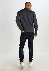 Alpha Industries - BASIC SWEATER - Sweatshirt - grey black - 2
