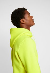 Alpha Industries - Luvtröja - neon yellow - 3