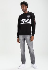 Alpha Industries - NASA INLAY  - Sudadera - black - 1