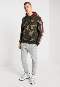 Alpha Industries - TAPE HOODY EXCLUSIV - Hoodie - woodland camo - 1