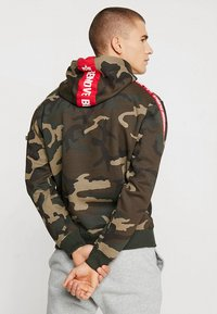 Alpha Industries - TAPE HOODY EXCLUSIV - Hoodie - woodland camo - 2
