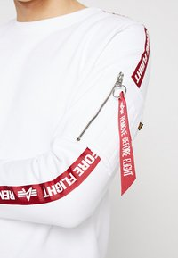 Alpha Industries - TAPEEXCLU - Felpa - white - 5