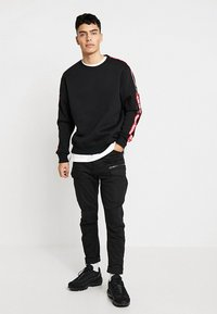 Alpha Industries - TAPEEXCLU - Felpa - black - 1