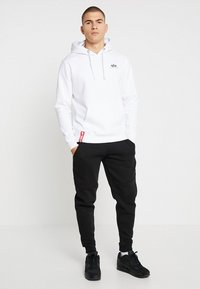 Alpha Industries - BASIC HOODY SMALL LOGO - Luvtröja - white - 1