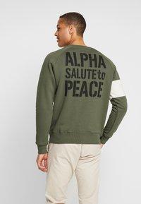 Alpha Industries - Sweatshirt - dark olive - 2